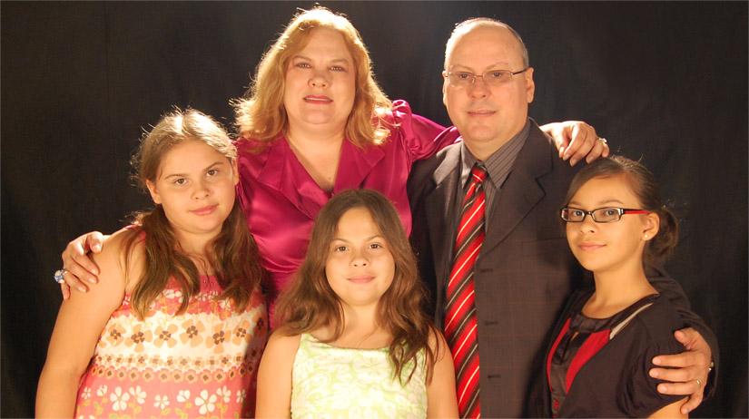 juan-salinas-family